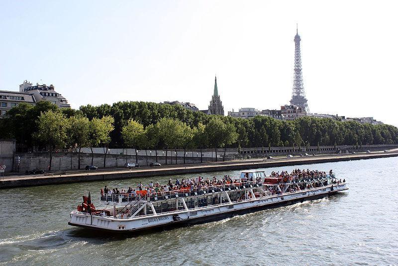 bateaux-mouches-paris-1311618869